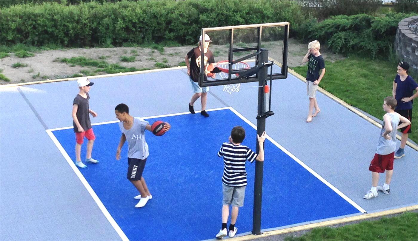 2-farbiges Kleinspielfeld für Basketball aus PP Kunststoff