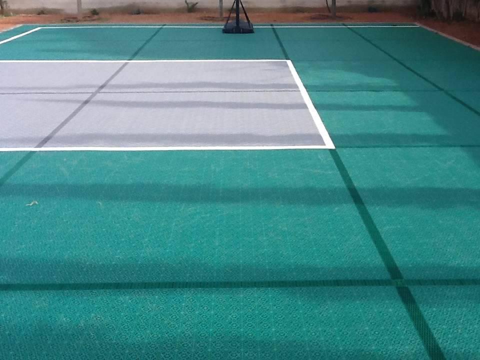 Basketball Sportboden 3 x 3 in dunkelgrün und silbergrau
